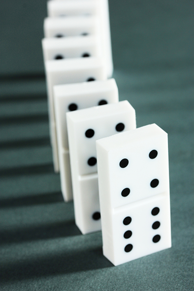 Dominoes - Learning cause and effect